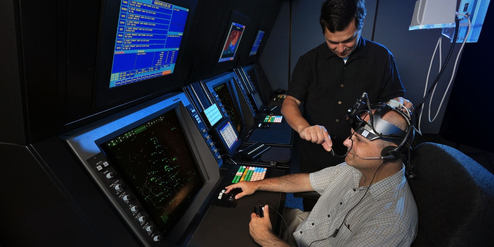 Air traffic control simulator with eye-tracking (FAA Tech Center)